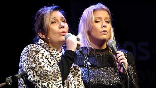 Zizi Possi, cantora
