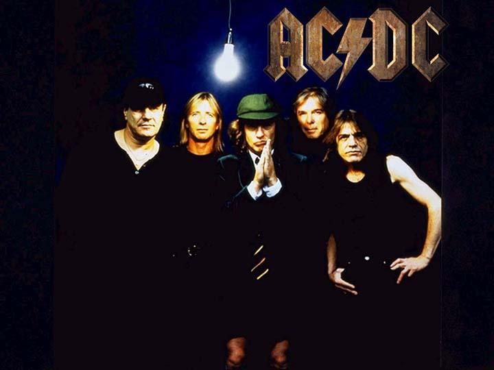 Mesmo com a morte do guitarrista e compositor Malcolm a banda de rock AC/DC vai continuar