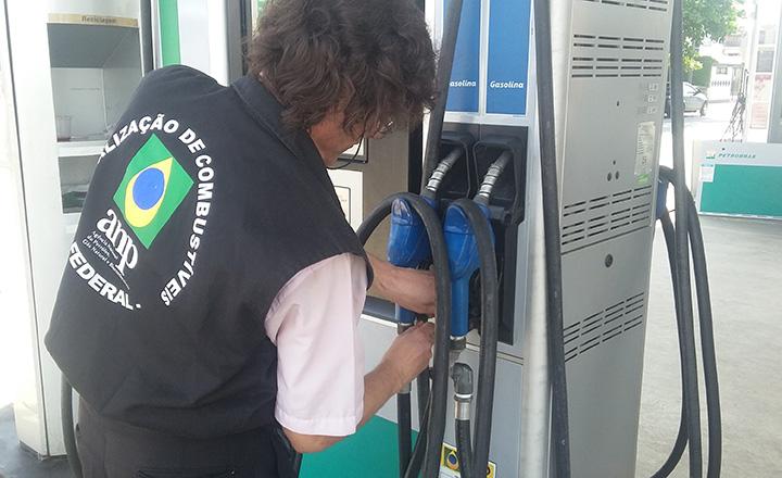 Irregularidadess na comercializacao de combustiveis em todo o Brasil, chamam atencao das autoridades