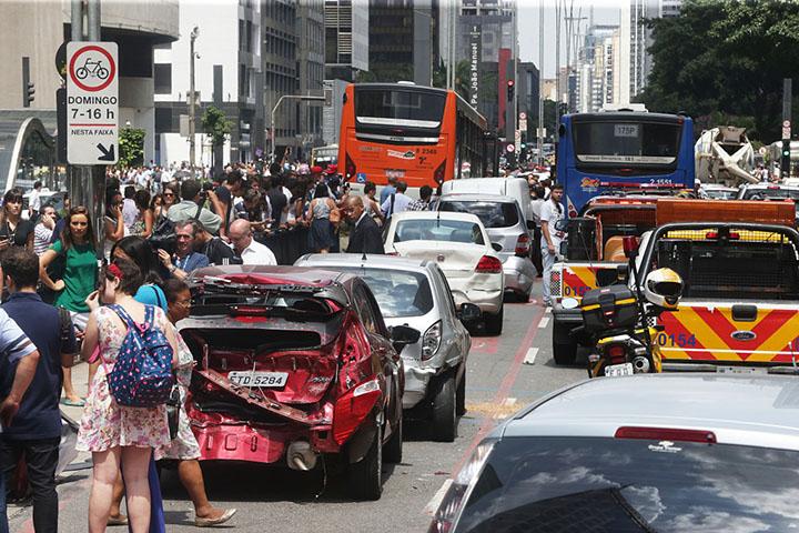 Educacao para o transito e dirigir defensivamente, o Brasil precisa, mais que leis, Foto Paulo Pinto