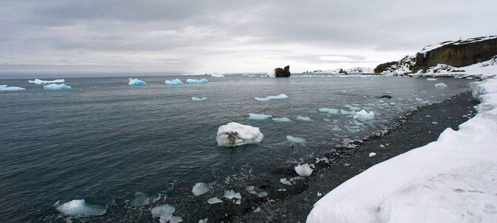 Antartica, Ilha Rei George, preocupante derretimento do gelo. Foto ONU, Eskinder Debebe
