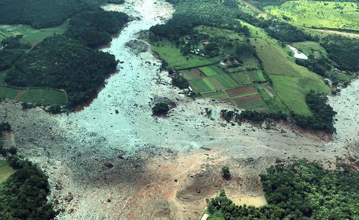 Para evitar tragedia como esta em Brumadinho (Minas Gerais) o Governo mandou interditar 47 barragens