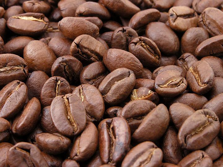 Aumenta o consumo mundial de cafe com a venda de 164 milhoes de sacas.