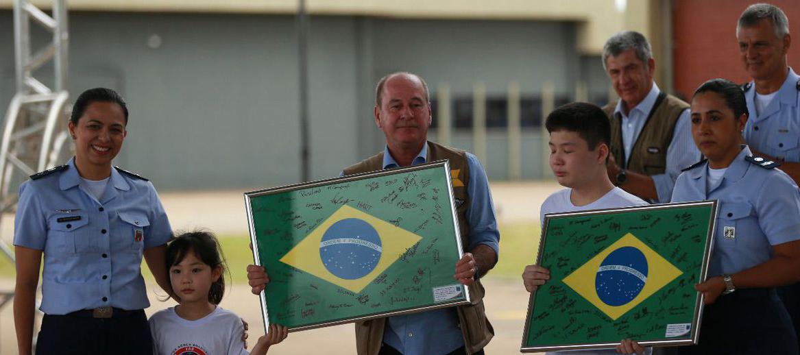 Quarentena acaba para brasileiros e Governo os devolve as familias. Foto AgBr, Marcelo Casal Junior.