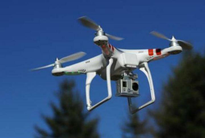 Industria de tecnologia desenvolve drone para transporte de ate 100 quilos para montanhas.