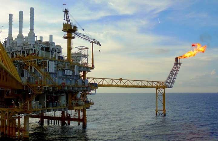 Brasileiros podem acompanhar produção de gas como esta unidade em alto mar, e, petroleo no painelANP