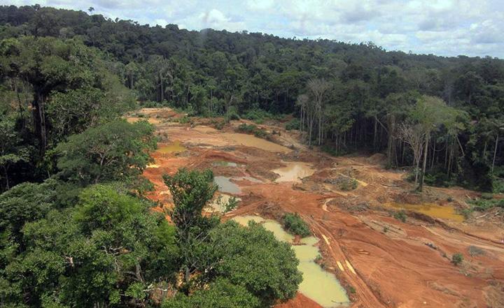 Conflitos com garimpo ilegal continuam na Comunidade Palimiú Yanomami, Roraima. Foto Polícia Federal
