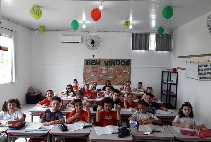 Estes são os alunos da Escola COC de Itapoa que conquistaram a mensagem dos reis de Espanha