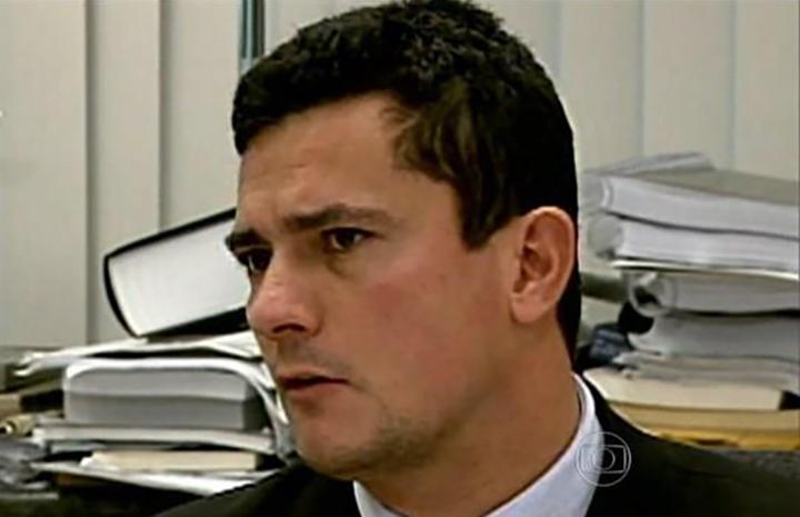 Moro diz que brasileiros podem ajudar melhorar leis. Combate ao crime ja tem bons resultados.