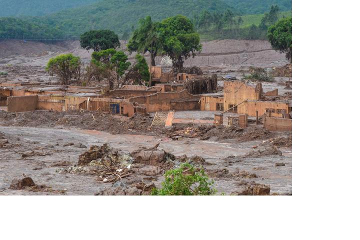 Enquanto se discute em Brasília nova lei, os afetados pelo desastre de Mariana, esperam a reparação
