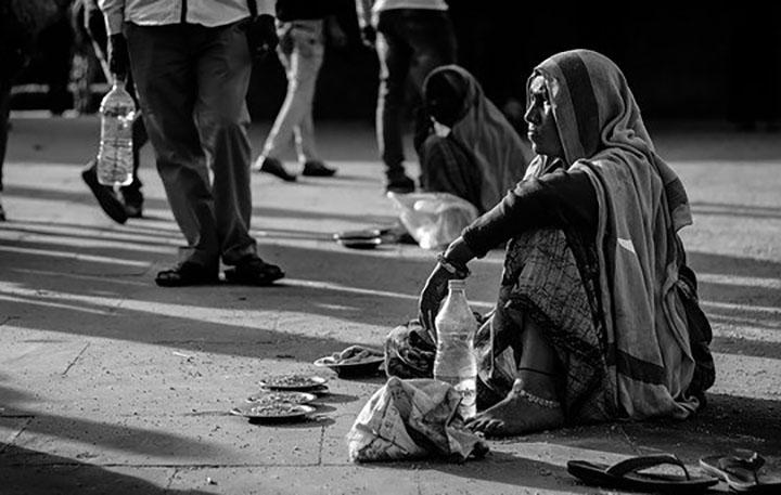 Pobreza inibe o desenvolvimento pelo mundo. Foto Aamir Mohd Khan, Pixabay