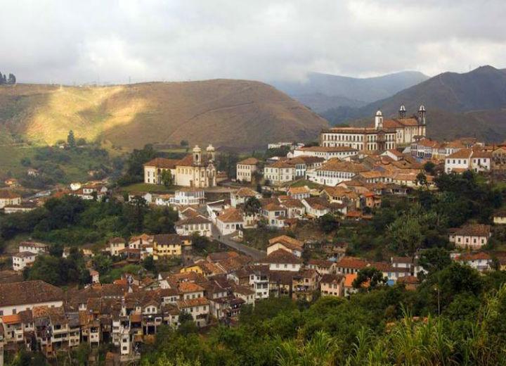 Ouro Preto, primeira cidade do Brasil protegida como patrimônio Mundial da Humanidade, há 35 anos.