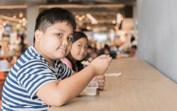 Obesidade, mal de todos na America e Caribe. Recomendacoes para prevenir. Foto Kwanchai Shutterstock