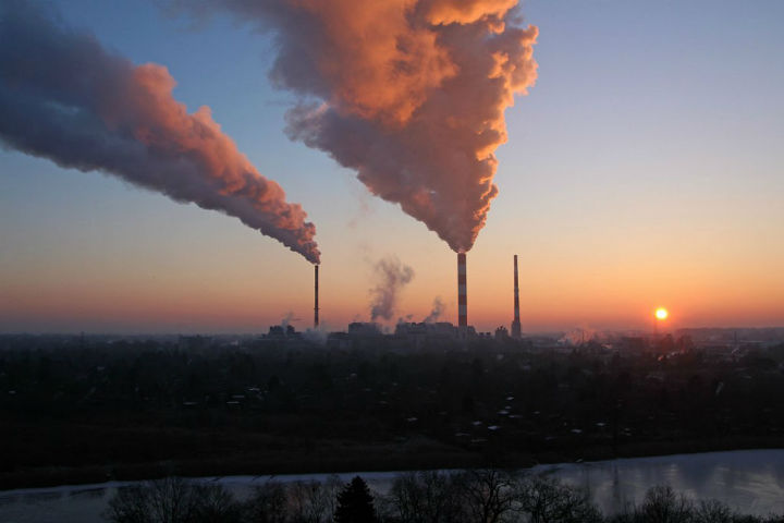 Produtos químicos causam doenças e a poluição leva 13 milhões à morte. FOTO PNUMA.