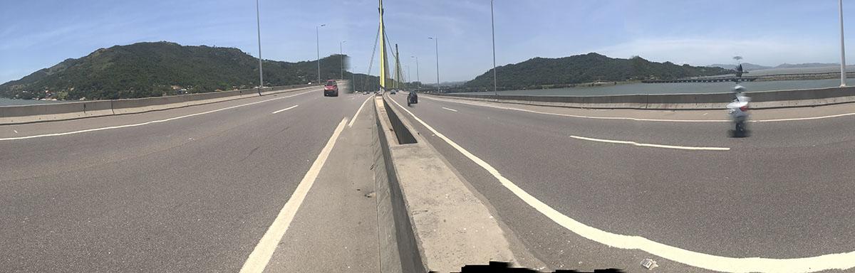 Ponte Anita Garibaldi em Laguna com 2800 metros, unica em curva no Brasil. Foto Jornalista Moreira.
