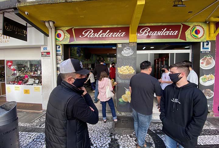 Pastelaria Brasileira que curitibanos conhecem nunca fechou para cumprir papel social de alimentacao