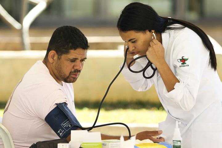 Brasil tem 52% afetados por doenca cronica que mata e causa prejuizos. Foto AgBr, Marcelo Camargo.