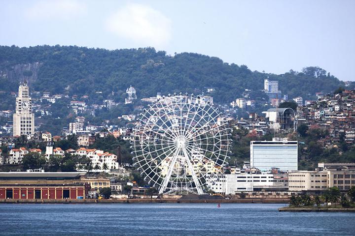 Trem do Corcovado e a maior roda gigante da America. no Rio de Janeiro, reabrem para o turismo