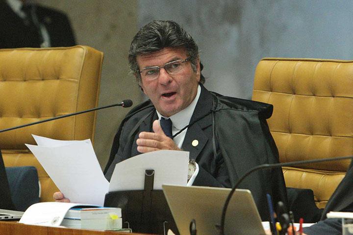 Ministro Luiz Fux vai usar ciencia e tecnica para reduzir 80 milhoes de processos sem julgamento