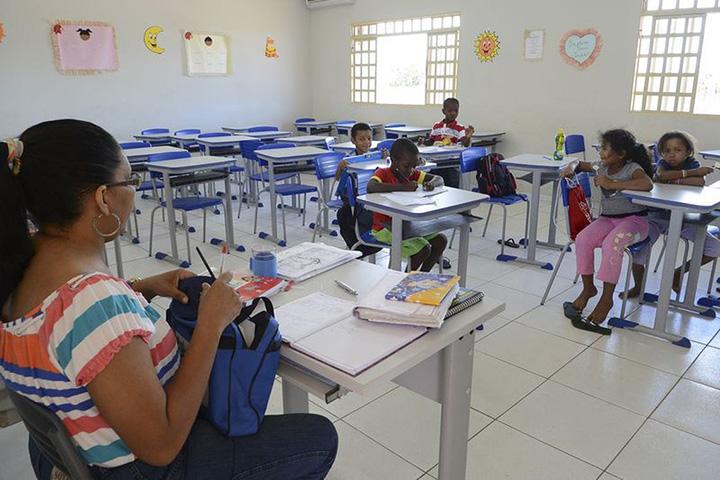 Reposicao de aulas em discussao no Brasil, encara problema da evasao e tempo. Foto Agencia Brasil