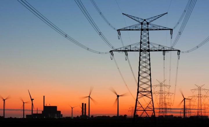 Para evitar a falta, Governo Federal vai contratar energia de usinas em producao no mes de janeiro