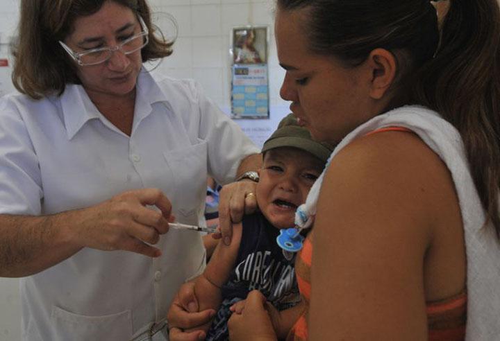 Vacina previne contra sarampo. Doenca aumentou 300% no mundo por falta de cuidados.
